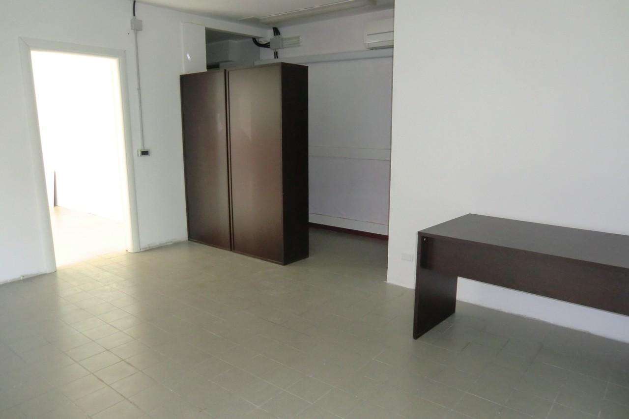 Ufficio Casa Domodossola : Negozio in affitto a domodossola più casa
